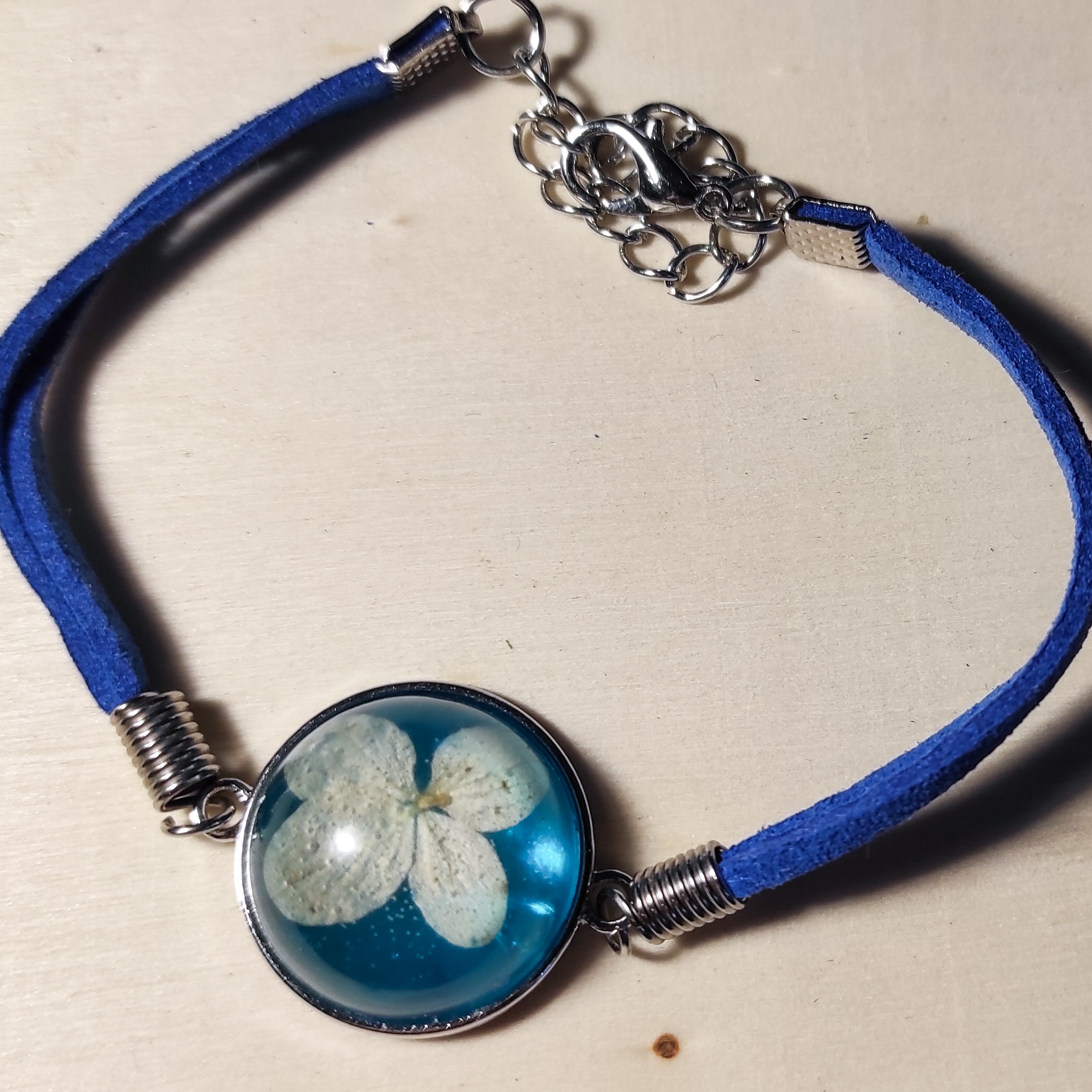Bransoletka Peruny niebieska chortensja