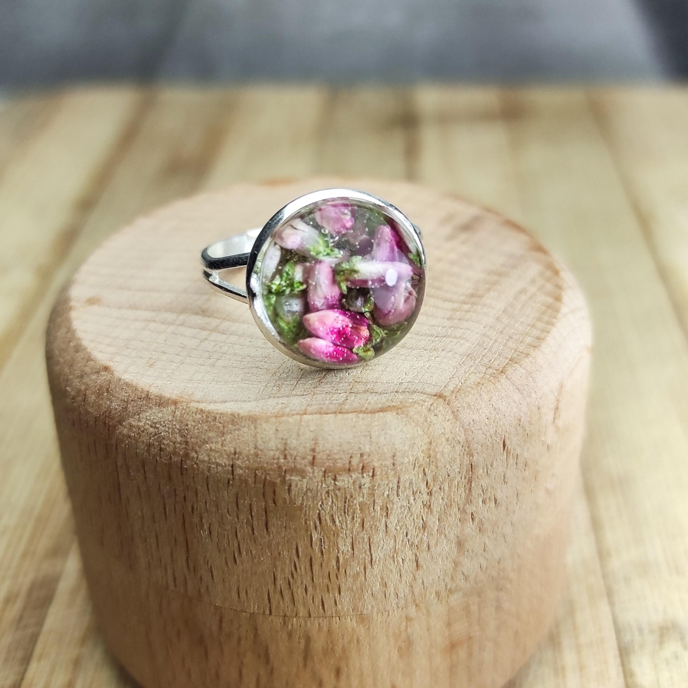 Pierścionek Wrzosisławy różowy midi